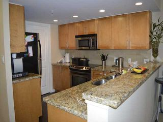 Photo 3: # 303 288 UNGLESS WY in Port Moody: North Shore Pt Moody Condo for sale : MLS®# V1119921