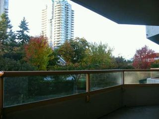 "Photo 8: 6152 KATHLEEN Ave in Burnaby: Metrotown Condo for sale in ""THE EMBASSY"" (Burnaby South)  : MLS®# V619015"