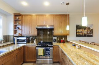 Photo 7: 563 E 31ST AVENUE in Vancouver: Fraser VE House for sale (Vancouver East)  : MLS®# R2113816