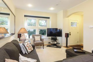 Photo 2: 563 E 31ST AVENUE in Vancouver: Fraser VE House for sale (Vancouver East)  : MLS®# R2113816