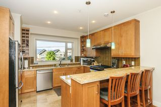 Photo 5: 563 E 31ST AVENUE in Vancouver: Fraser VE House for sale (Vancouver East)  : MLS®# R2113816