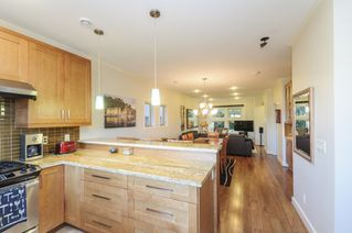 Photo 8: 563 E 31ST AVENUE in Vancouver: Fraser VE House for sale (Vancouver East)  : MLS®# R2113816