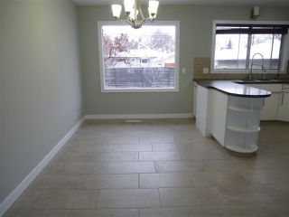 Photo 6: 8810 159A ST NW in Edmonton: Zone 22 House for sale : MLS®# E4044366