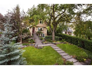 Photo 3: 1409 PREMIER WY SW in Calgary: Upper Mount Royal House for sale : MLS®# C4092441