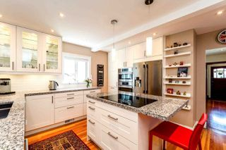 Photo 4: 726 E 4TH STREET in North Vancouver: Queensbury House for sale : MLS®# R2340355