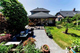 Photo 1: 726 E 4TH STREET in North Vancouver: Queensbury House for sale : MLS®# R2340355