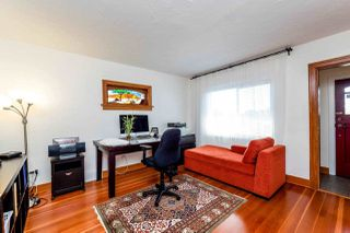 Photo 2: 726 E 4TH STREET in North Vancouver: Queensbury House for sale : MLS®# R2340355