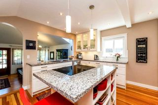 Photo 6: 726 E 4TH STREET in North Vancouver: Queensbury House for sale : MLS®# R2340355