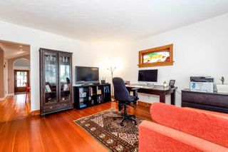 Photo 3: 726 E 4TH STREET in North Vancouver: Queensbury House for sale : MLS®# R2340355