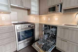 """Photo 11: 3001 5665 BOUNDARY Road in Vancouver: Collingwood VE Condo for sale in """"Wall Center Central park"""" (Vancouver East)  : MLS®# R2404046"""