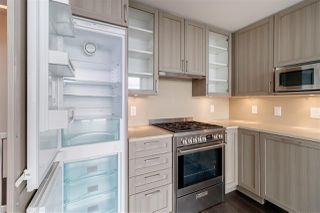 """Photo 10: 3001 5665 BOUNDARY Road in Vancouver: Collingwood VE Condo for sale in """"Wall Center Central park"""" (Vancouver East)  : MLS®# R2404046"""