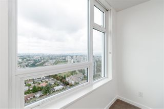 """Photo 12: 3001 5665 BOUNDARY Road in Vancouver: Collingwood VE Condo for sale in """"Wall Center Central park"""" (Vancouver East)  : MLS®# R2404046"""