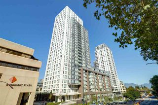 """Photo 17: 3001 5665 BOUNDARY Road in Vancouver: Collingwood VE Condo for sale in """"Wall Center Central park"""" (Vancouver East)  : MLS®# R2404046"""