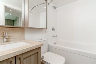 """Photo 15: 3001 5665 BOUNDARY Road in Vancouver: Collingwood VE Condo for sale in """"Wall Center Central park"""" (Vancouver East)  : MLS®# R2404046"""