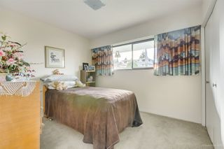Photo 11: 6055 LEIBLY Avenue in Burnaby: Upper Deer Lake House for sale (Burnaby South)  : MLS®# R2432310