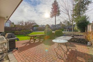 Photo 17: 6055 LEIBLY Avenue in Burnaby: Upper Deer Lake House for sale (Burnaby South)  : MLS®# R2432310