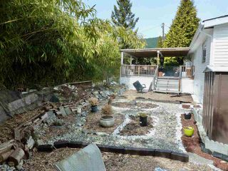"""Photo 16: 60 1413 SUNSHINE COAST Highway in Gibsons: Gibsons & Area Manufactured Home for sale in """"Poplar Estates"""" (Sunshine Coast)  : MLS®# R2449368"""