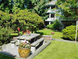 """Photo 3: 211 1150 LYNN VALLEY Road in North Vancouver: Lynn Valley Condo for sale in """"The Laurels"""" : MLS®# R2468253"""