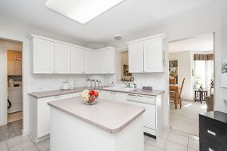 """Photo 14: 211 1150 LYNN VALLEY Road in North Vancouver: Lynn Valley Condo for sale in """"The Laurels"""" : MLS®# R2468253"""