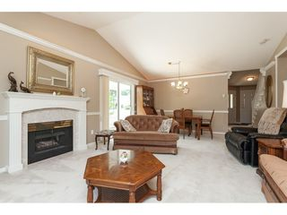 "Photo 10: 77 9208 208 Street in Langley: Walnut Grove Townhouse for sale in ""CHURCHILL PARK"" : MLS®# R2488102"