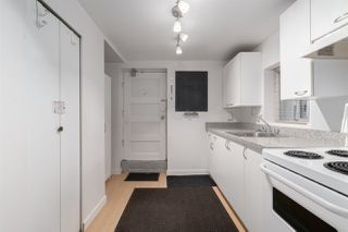 """Photo 13: 558 W 17TH Avenue in Vancouver: Cambie House for sale in """"Cambie"""" (Vancouver West)  : MLS®# R2491817"""