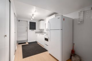"""Photo 12: 558 W 17TH Avenue in Vancouver: Cambie House for sale in """"Cambie"""" (Vancouver West)  : MLS®# R2491817"""