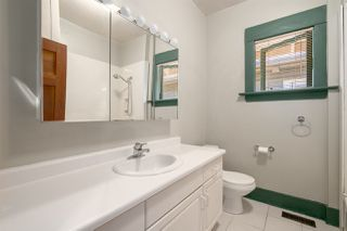 """Photo 8: 558 W 17TH Avenue in Vancouver: Cambie House for sale in """"Cambie"""" (Vancouver West)  : MLS®# R2491817"""