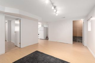 """Photo 11: 558 W 17TH Avenue in Vancouver: Cambie House for sale in """"Cambie"""" (Vancouver West)  : MLS®# R2491817"""