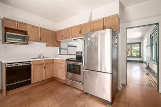 """Photo 5: 558 W 17TH Avenue in Vancouver: Cambie House for sale in """"Cambie"""" (Vancouver West)  : MLS®# R2491817"""