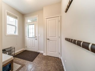 Photo 2: 422 Sherwood Place NW in Calgary: Sherwood Detached for sale : MLS®# A1031042