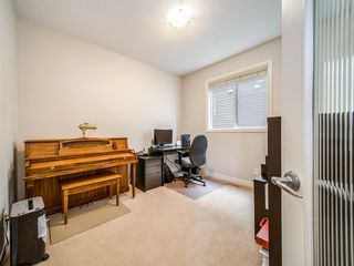 Photo 3: 422 Sherwood Place NW in Calgary: Sherwood Detached for sale : MLS®# A1031042