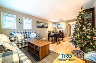 "Photo 2: 1563 BOWSER Avenue in North Vancouver: Norgate Townhouse for sale in ""ILLAHEE"" : MLS®# R2523734"