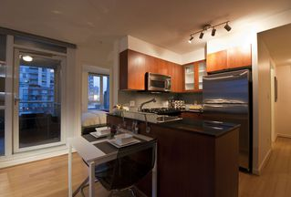 "Photo 7: 509 822 SEYMOUR Street in Vancouver: Downtown VW Condo for sale in ""L'ARIA"" (Vancouver West)  : MLS®# V938460"