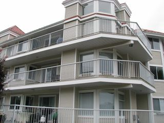 """Main Photo: 2A 2725 FULLER Street in Abbotsford: Central Abbotsford Condo for sale in """"12 Corners"""" : MLS®# F1229034"""
