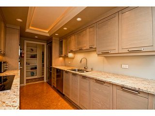 Photo 7: # 116 2274 FOLKESTONE WY in West Vancouver: Panorama Village Condo for sale : MLS®# V987054