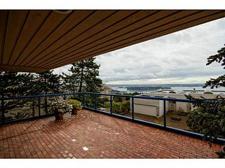 Photo 3: # 116 2274 FOLKESTONE WY in West Vancouver: Panorama Village Condo for sale : MLS®# V987054