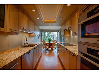 Photo 6: # 116 2274 FOLKESTONE WY in West Vancouver: Panorama Village Condo for sale : MLS®# V987054