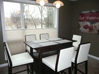Photo 8: 2466 Assiniboine Crescent in : Silver Heights Single Family Detached for sale