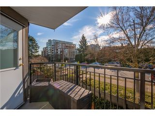 Photo 2: # 208 555 W 14TH AV in Vancouver: Fairview VW Condo for sale (Vancouver West)  : MLS®# V1119686
