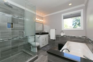 Photo 8: Kelowna- Home For Sale - Lake- Lower Mission, Renovated