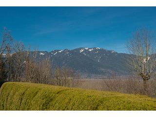 Photo 2: 8651 SUNRISE DRIVE in Chilliwack: Chilliwack Mountain House for sale : MLS®# R2135573