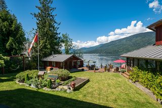 Photo 17: 6017 Eagle Bay Road in Eagle Bay: House for sale : MLS®# 10190843
