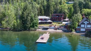Photo 3: 6017 Eagle Bay Road in Eagle Bay: House for sale : MLS®# 10190843