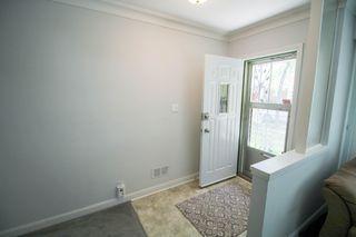 Photo 2: Great starter home for you in East Kildonan, Winnipeg!
