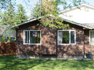Photo 3: 27 Laurel Bay: Oakbank Single Family Attached for sale (R04)  : MLS®# 1817168