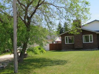 Photo 2: 27 Laurel Bay: Oakbank Single Family Attached for sale (R04)  : MLS®# 1817168