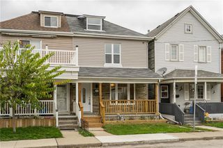 Photo 1: 29 Shaw Street in Hamilton: House for sale : MLS®# H4044581
