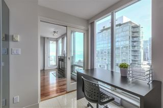 Photo 11: 1403 590 NICOLA STREET in Vancouver: Coal Harbour Condo for sale (Vancouver West)  : MLS®# R2340570