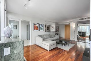 Photo 3: 1403 590 NICOLA STREET in Vancouver: Coal Harbour Condo for sale (Vancouver West)  : MLS®# R2340570