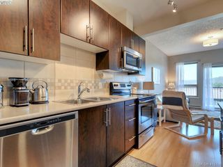Photo 7: 402 3240 Jacklin Rd in VICTORIA: La Walfred Condo Apartment for sale (Langford)  : MLS®# 823674